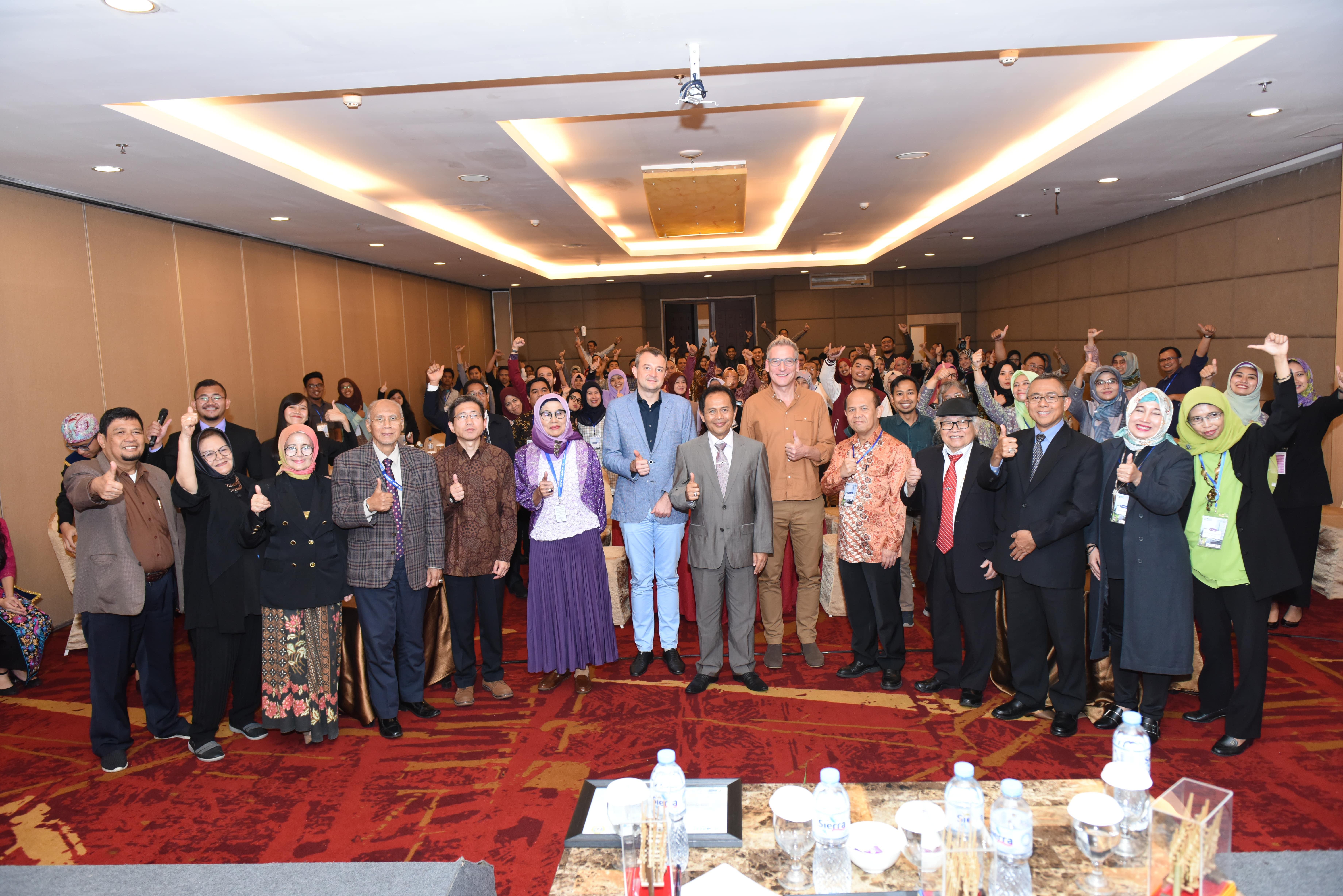 ICOBEST 2018 - Foto Bersama Seluruh Peserta Konferensi