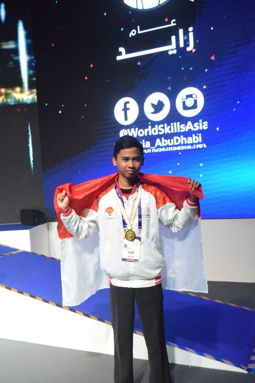 JUARA 1 ICT - WORLD SKILLS ASIA 2018, ABU DHABI UEA (Foto ke-2)