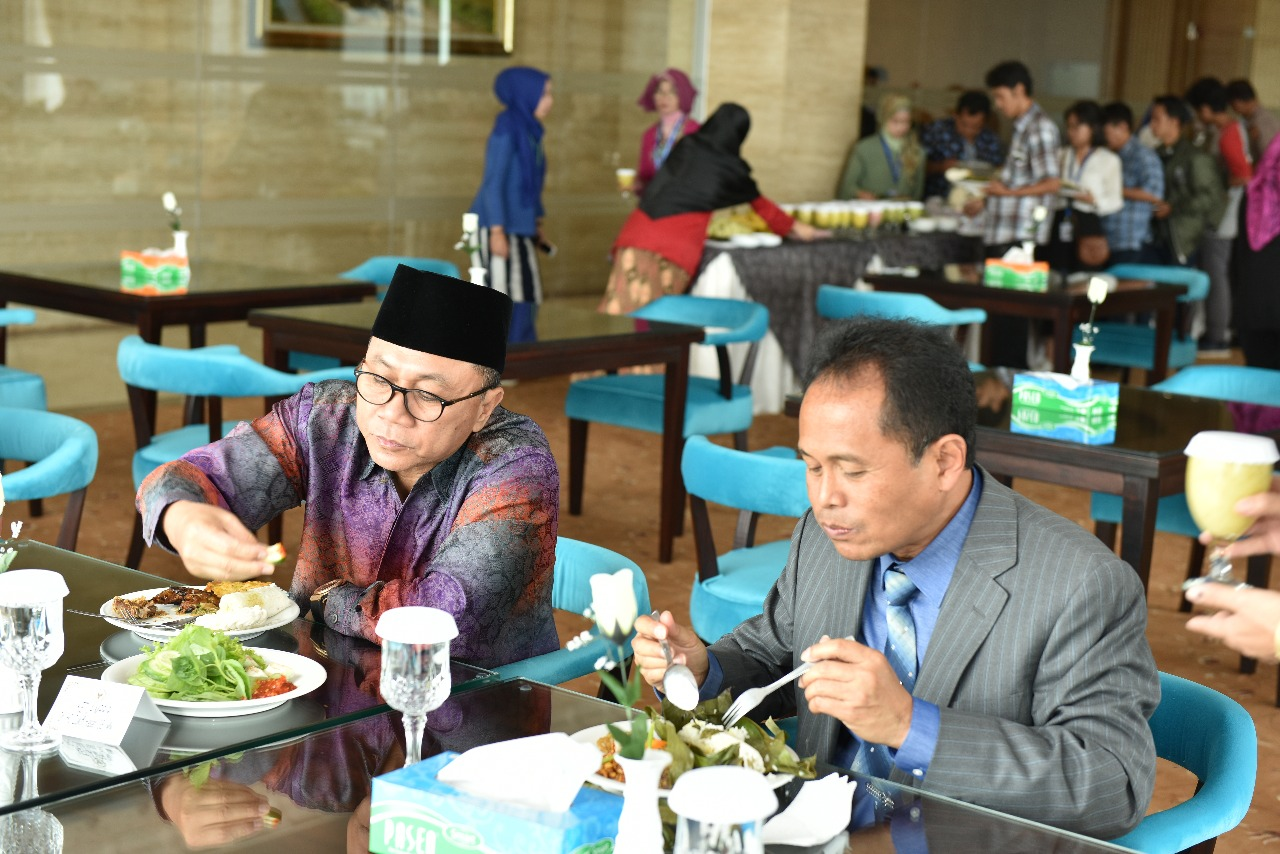 Kunjungan Ketua MPR Dr. Zulkifli Hasan (Foto ke-16)