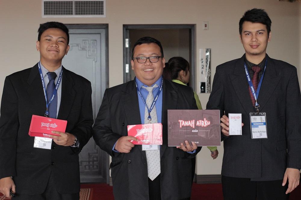 Team UNIKOM Codelabs dengan aplikasi Tanah Airku Asia di APICTA 2016