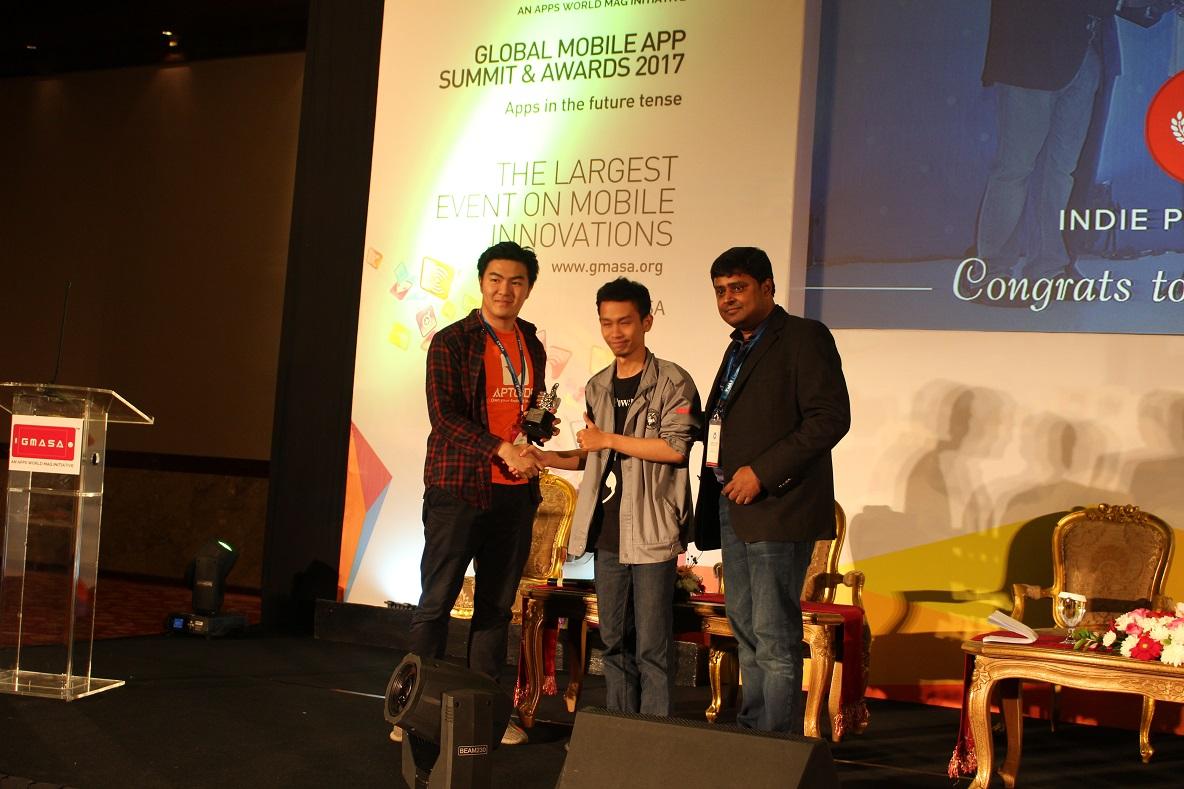 Tim ADA Game Studio menjadi pemenang juara 1 di Indie Pitch Fest GMASA 2017